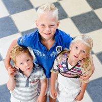 Kinderen afgedrukt op canvasdoek