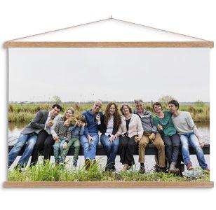Textielposter met latten en familiefoto in kleur